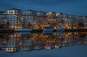 Fotos Stockholm Schweden Gebäude Flusse Abend Schiffsanleger Binnenschiff Spiegelt Städte
