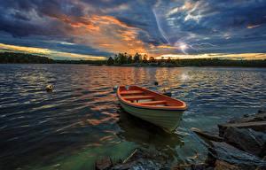 Hintergrundbilder Schweden Flusse Sonnenaufgänge und Sonnenuntergänge Boot Landschaftsfotografie Himmel Blitz Natur