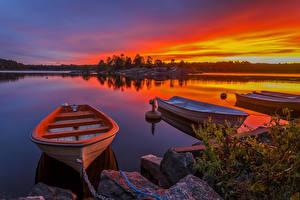 Hintergrundbilder Schweden Sonnenaufgänge und Sonnenuntergänge Flusse Boot Steine Natur
