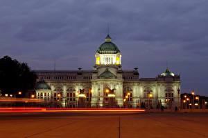 Bureaubladachtergronden Thailand Gebouw Avond Paleis Een plein Straatverlichting Ananta Samakhom Throne Hall Steden