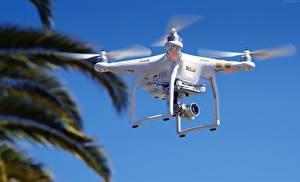 Hintergrundbilder UAV Quadrokopter DJI Phantom 3 Luftfahrt