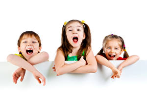 Bilder Weißer hintergrund Drei 3 Junge Kleine Mädchen Lachen Hand Kinder