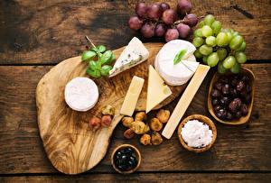 Fotos Käse Oliven Weintraube Echte Feige Schneidebrett