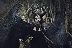 Fonds d'écran Les êtres surnaturels Aile Cosplayers Maleficent Fantasy Filles