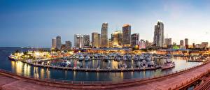 Bilder USA Haus Schiffsanleger Abend Yacht Motorboot Miami Bucht Städte