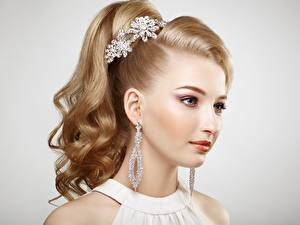 Wallpapers Beautiful Dark Blonde Hair Earrings Gray background Face Haircut young woman