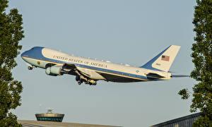 Hintergrundbilder Boeing Flugzeuge Verkehrsflugzeug Flug Abheben VC25A Luftfahrt