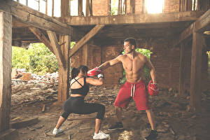 Pictures Boxing Men Two Physical exercise To beat athletic Girls