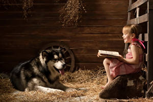 Desktop wallpapers Dog Husky Little girls Sit Smile Book Reading animal Animals