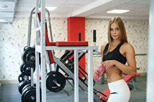 Fotos Fitness Trainieren Körperliche Aktivität Turnhalle Mädchens Sport