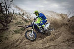 Bilder Motocross Sand Motorradfahrer Helm 2017 Sherco 300 SEF-R Factory Motorrad