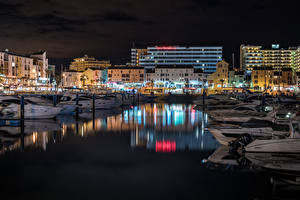 Tapety na pulpit Portugalia Domy Przystań Jacht W nocy Faro Miasta