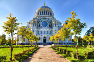 Sfondi desktop Russia San Pietroburgo Tempio Cattedrale Avenue Alberi Kronstadt Città