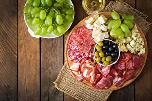 Fotos Wurst Schinken Käse Weintraube Bretter Geschnitten
