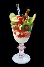 Hintergrundbilder Süßware Speiseeis Obst Schwarzer Hintergrund Weinglas Lebensmittel