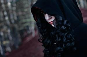 Bilder The Witcher 3: Wild Hunt Brünette Haar Kapuze Cosplay Yennefer Mädchens