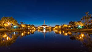 Sfondi desktop Bangkok Thailandia Stagno Notte Lampioni Natura