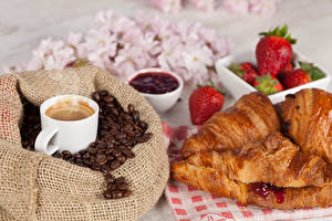 Fotos Kaffee Erdbeeren Croissant Tasse Getreide Lebensmittel