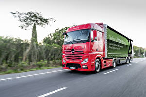 Pictures Mercedes-Benz Lorry Moving 2017 Actros 1845 LS auto