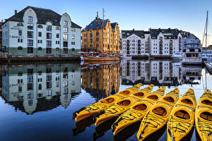 Photo Norway Houses Rivers Boats Sailing Pier Reflection Alesund Cities