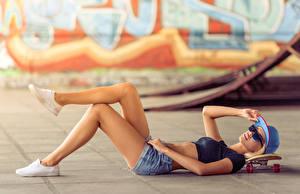 Photo Skateboard Baseball cap Legs Shorts Eyeglasses Girls