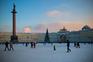 Pictures St. Petersburg Russia People Town square Street Palace Square Cities
