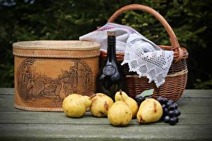 Images Still-life Wine Pears Grapes Wicker basket Bottle