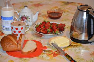 Hintergrundbilder Erdbeeren Getränke Flötenkessel Brot Milch Frühstück Tasse Lebensmittel