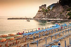Fotos Küste Italien Ligurien Strand Sonnenliege Regenschirm Monterosso al Mare Städte