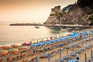 Fotos Küste Italien Ligurien Strände Sonnenliege Regenschirm Monterosso al Mare Städte