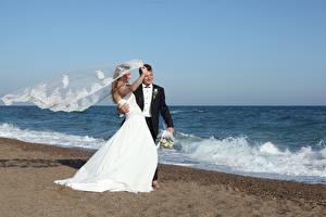 Fonds d'écran Côte Mer Homme Mariage Marié homme Jeune mariée Le vent Filles