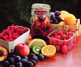 Fotos Obst Erdbeeren Himbeeren Apfelsine Pflaume Weckglas