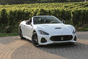 Fotos Maserati Weiß Metallisch Luxus Cabrio 2017 GranCabrio MC