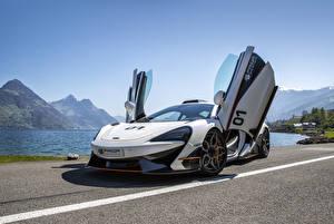 Hintergrundbilder McLaren Tuning Weiß Offene Tür 2017 Prior-Design 570S PD1 automobil