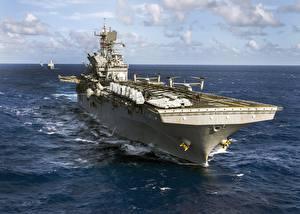 Photo Ship American USS Makin Island (LHD 8)
