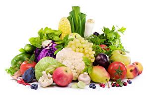 Bilder Gemüse Obst Äpfel Weintraube Kohl Birnen Tomaten Pilze Weißer hintergrund das Essen