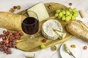 Hintergrundbilder Käse Wein Weintraube Brot Schneidebrett Weinglas