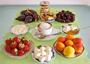 Pictures Coffee Cappuccino Peaches Strawberry Cherry Ficus carica Breakfast Cup Cream