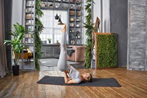 Fonds d'écran Fitness Gymnastique Aux cheveux bruns Entraînement Yoga Filles Sport