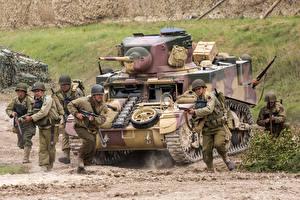 Fotos Panzer Soldaten US M3 Stuart Heer