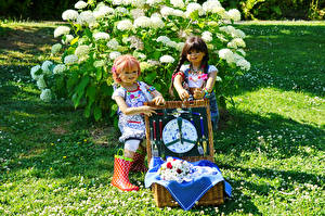 Images Parks Doll 2 Little girls Grugapark Essen Nature