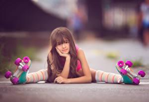 Bilder Golf Kleine Mädchen Braune Haare Rollschuh Kinder