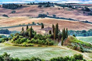 Hintergrundbilder Italien Toskana Landschaftsfotografie Haus Acker Bäume