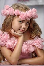Wallpaper Little girls Modelling Glance Wreath Children