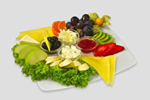 Hintergrundbilder Oliven Käse Trauben Obst Konfitüre Topfen Weißkäse Quark Hüttenkäse Grauer Hintergrund