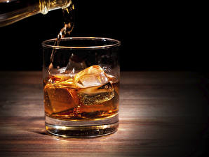 Pictures Whiskey Closeup Highball glass Ice Food