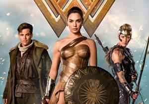Picture Wonder Woman hero Wonder Woman (2017 film) Gal Gadot Chris Pine Warriors Shield film Girls Celebrities