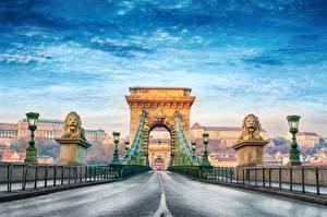 Pictures Bridge Roads Budapest Hungary Arch Street lights Chain Bridge Cities
