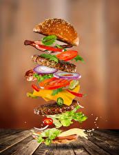 Hintergrundbilder Fast food Hamburger Brötchen Gemüse Fleischwaren Bretter Lebensmittel