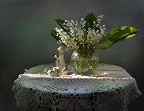 Fondos de escritorio Convallaria majalis Fondo gris Jarrón flor